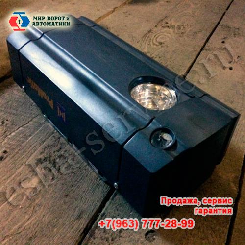 Типичное фото привода для ворот с встроенным освещением в карточках товара