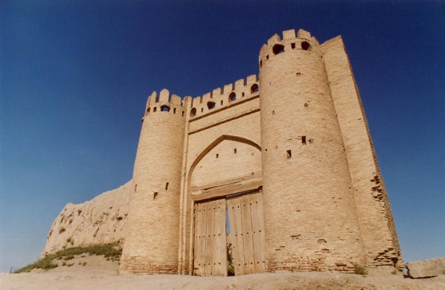 Фото узбекских ворот Ворота Талипач из статьи Как появились откатные ворота?
